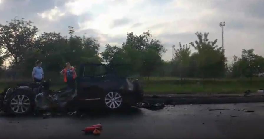 В Краснодаре пьяный подросток на иномарке сбил пятерых рабочих. Фото Все - скриншот видео vk.com/ghestkrd