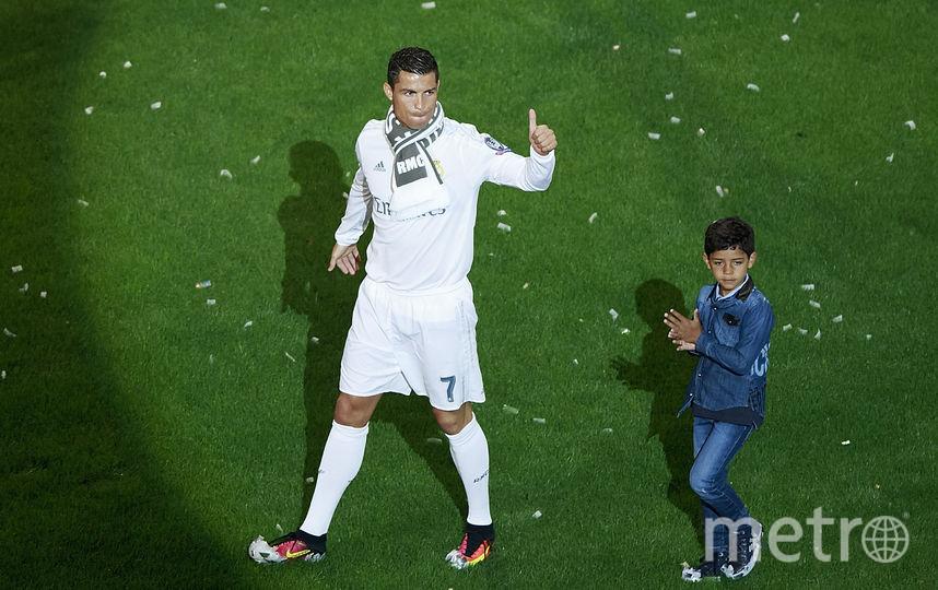 В 2010 году Роналду впервые стал отцом. Криштиану Роналду – младшего игроку также родила суррогатная мать. Фото Getty