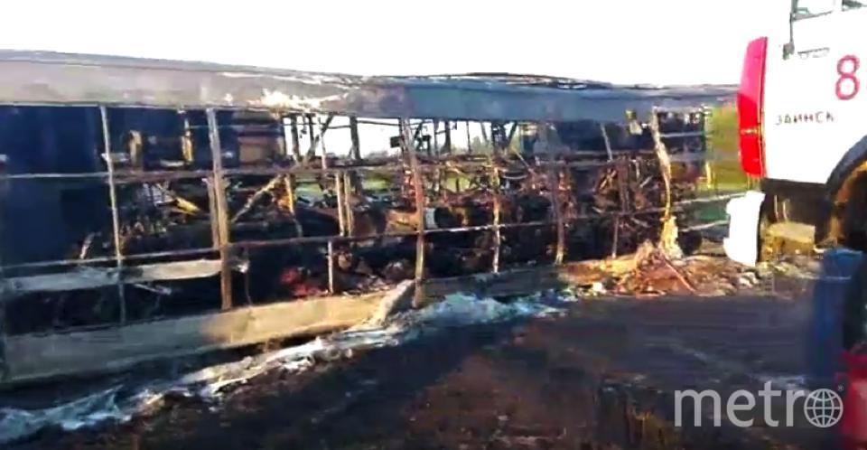 ДТП в Татарстане: погибло 13 человек, 8 извлечены из автобуса. Фото Все - скриншот YouTube