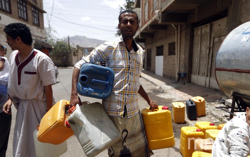 Система водоснабжения в Йемене была почти полностью разрушена за два года войны. Фото AFP