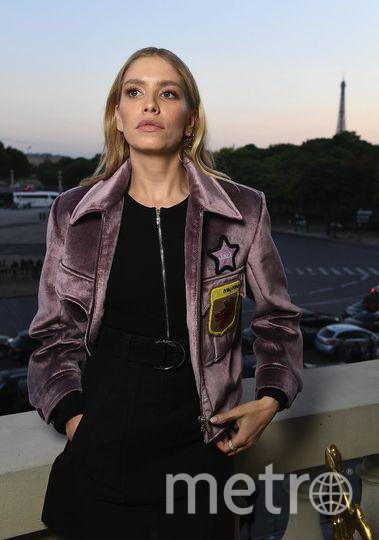 Звёзды на Неделе высокой моды в Париже. Лена Перминова. Фото Getty