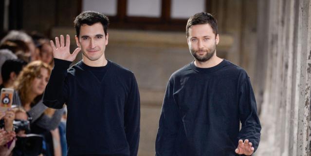дизайнеры Джек Макалоу и Лазаро Эрнандес из Нью-Йорка.