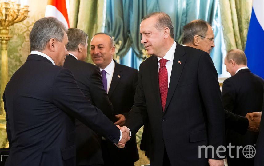 Реджеп Тайип Эрдоган на встрече с министром обороны России Сергеем Шойгу. Фото AFP