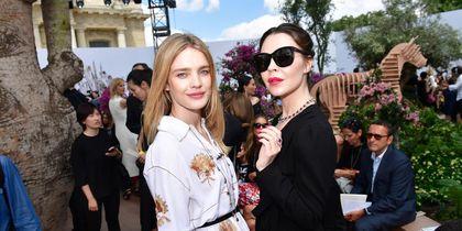 Звёзды в Париже на выставке Dior. Ульяна Сергиенко и Наталья Водянова. Фото Getty