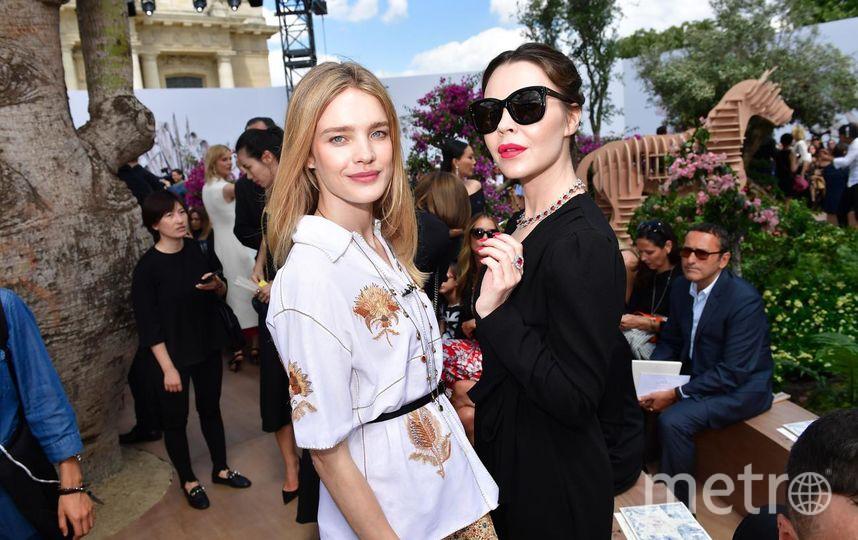 Натали Портман, Белла Хадид, Дженнифер Лоуренс и иные звезды посетили выставку Dior