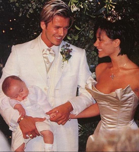Дэвид и Виктория Бекхэм отмечают 18-ю годовщину свадьбы: самые милые фото. Фото instagram.com/victoriabeckham/?hl=ru