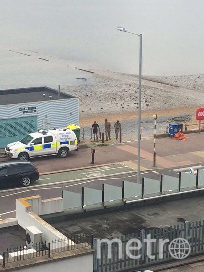 На Британском пляже взорвали бомбу времён Второй мировой войны. Фото Twitter @Cat_Letley