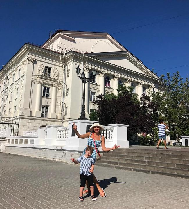 Эвелина Бледанс показала детское фото старшего сына. Фото Скриншот Instagram/bledans