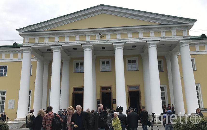В Петербурге попрощались с Даниилом Граниным. Фото Все - Михаил Садчиков - младший.