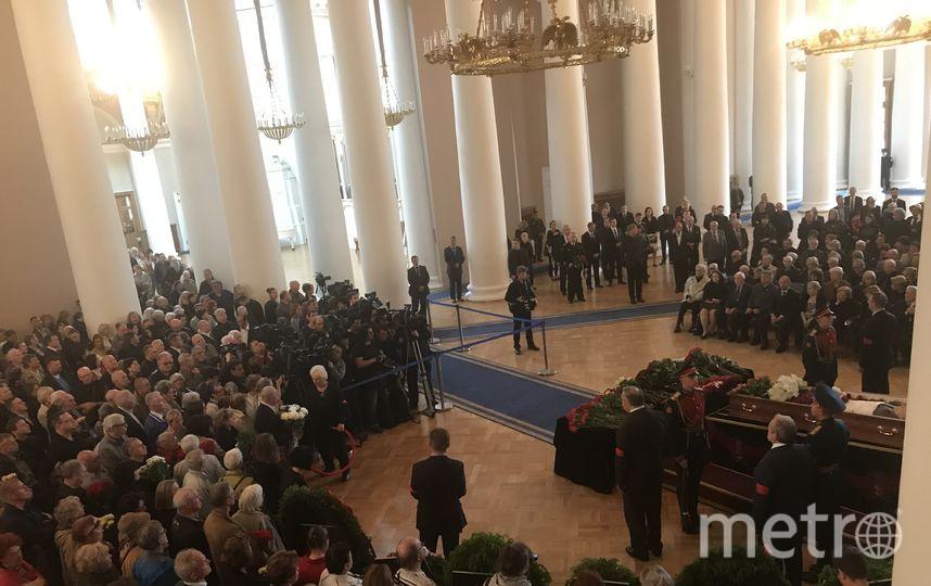 В Петербурге попрощались с Даниилом Граниным.
