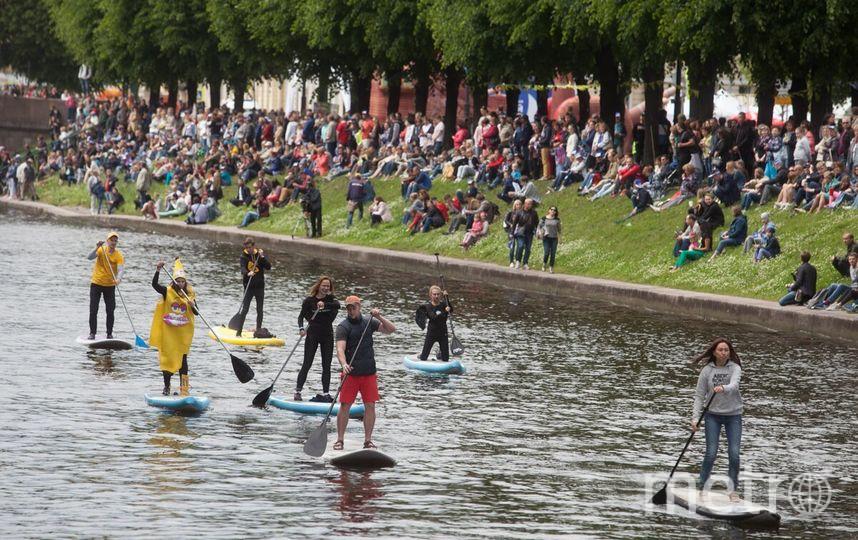 ВПетербурге проходит речной карнавал— Санкт-Петербург