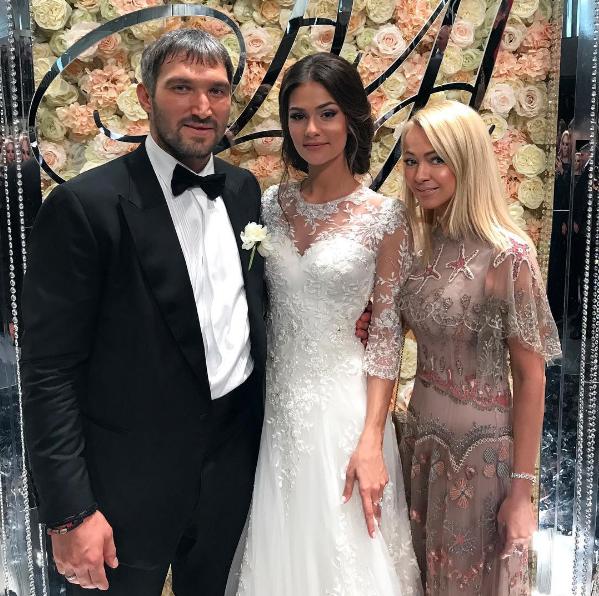 На свадьбе было много звёздных гостей. Фото instagram.com