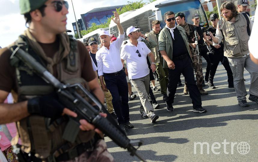 Кемаль Кылычдароглу на марше оппозиции. Фото AFP