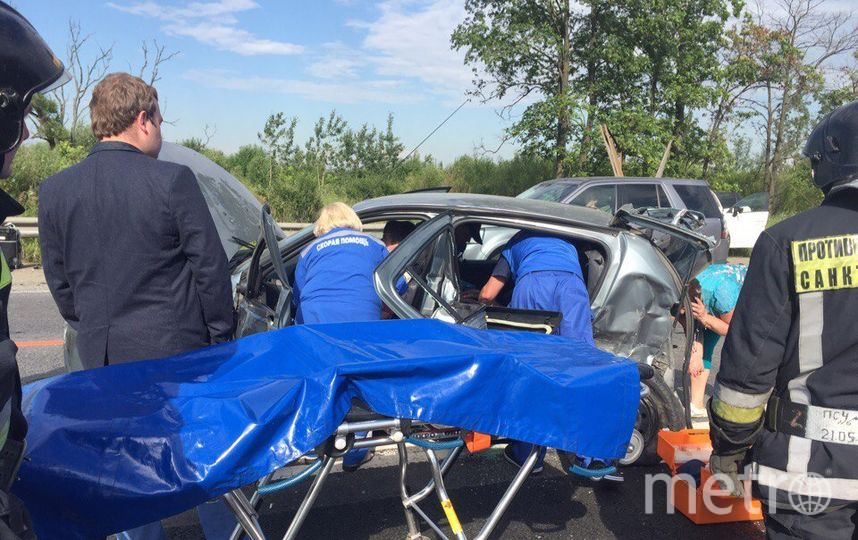 В Петербурге произошло смертельное ДТП: столкнулись 4 автомобиля. Фото vk.com/spb_today