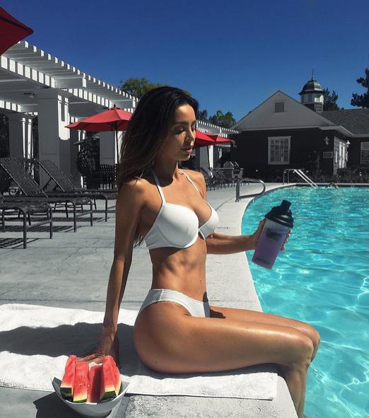 Модель Сара Стейдж. Фото Instagram Сары.