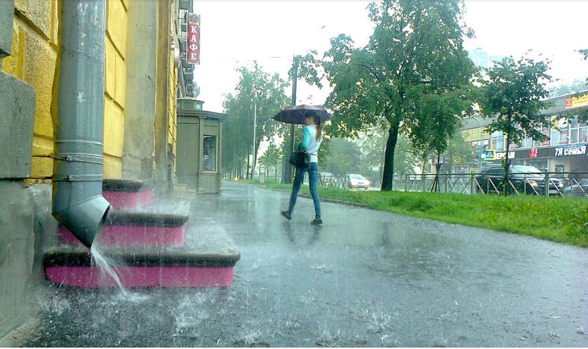 В Петербурге ожидаются сильные ливни.
