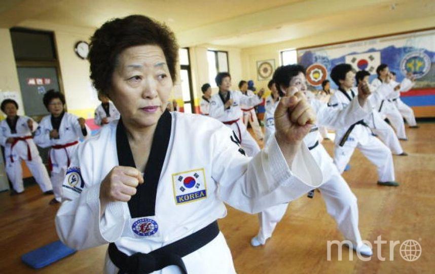 Корейские бабушки практикуют тхэквондо. Фото Getty