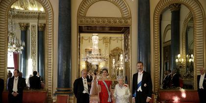 Королева Елизавета, ее супруг и король и королева Испании. Фото Getty