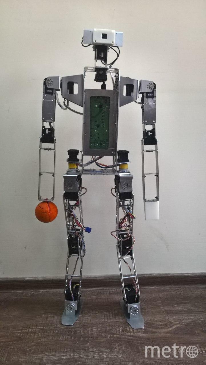 Человекоподобный робот Антарес. Фото предоставлены ГУАП.