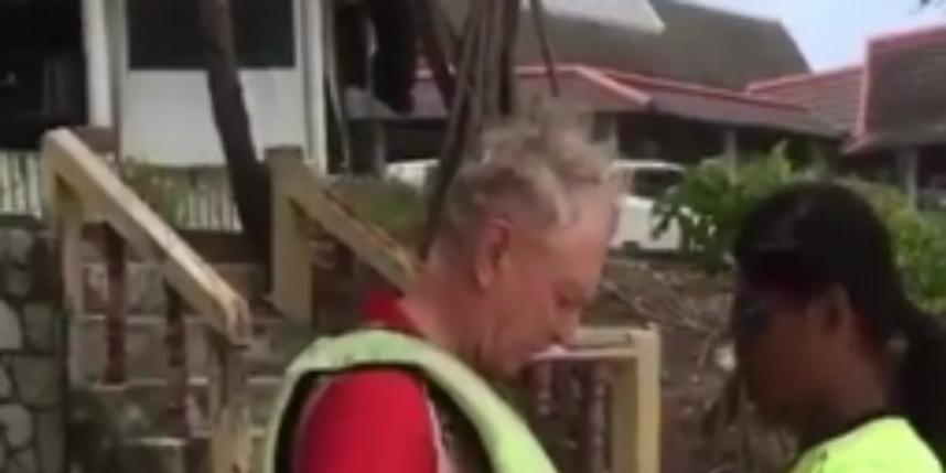 Полет на парашюте закончился трагически: гибель туриста попала на видео. Фото Cкриншот  YouTube