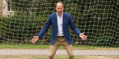 Принц Уильям в роли вратаря: Самые милые фото. Фото Getty