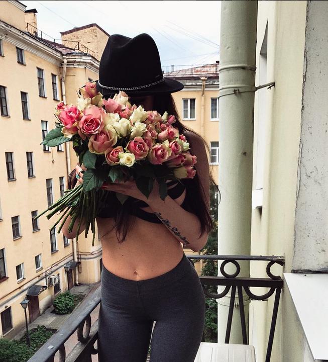 Вера Брежнева обиделась на Алёну Водонаеву за пост в Instagram.