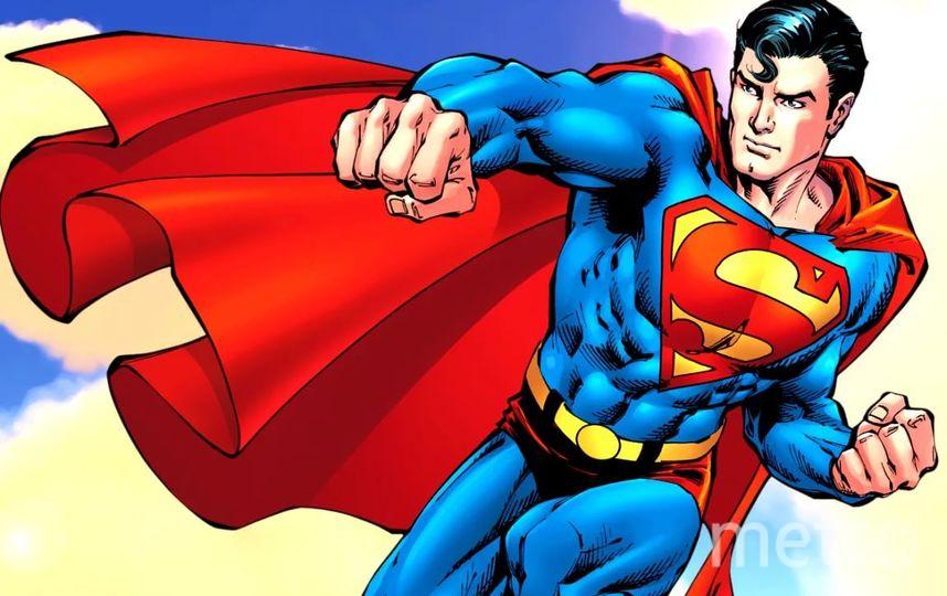 Мужчина, одетый как Супермен, выпал из окна в США. Фото Все - скриншот Instagram