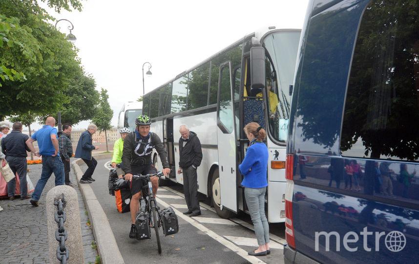Петербуржцы критикуют велодорожки и нарушителей.