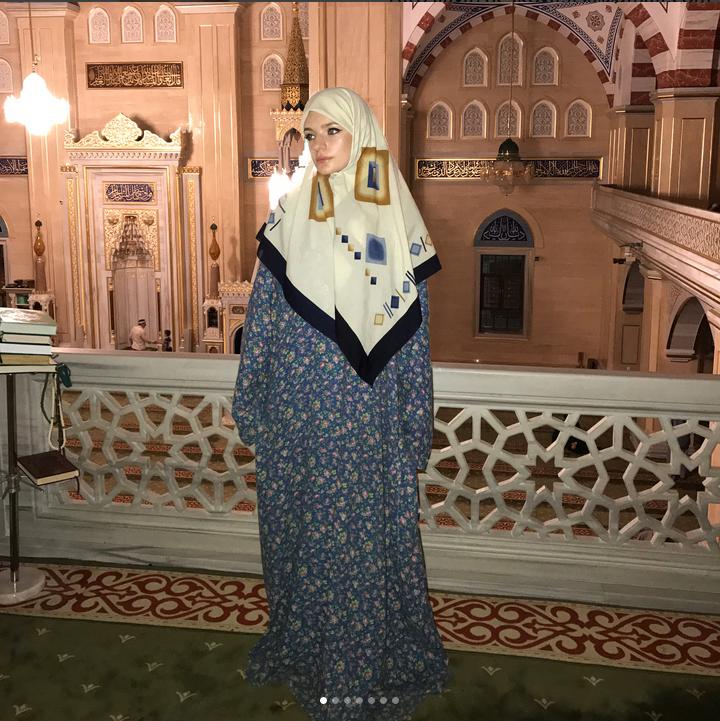 Дочь Пескова приехала в гости к Кадырову в хиджабе. Фото Скриншот Instagram/stpellegrino