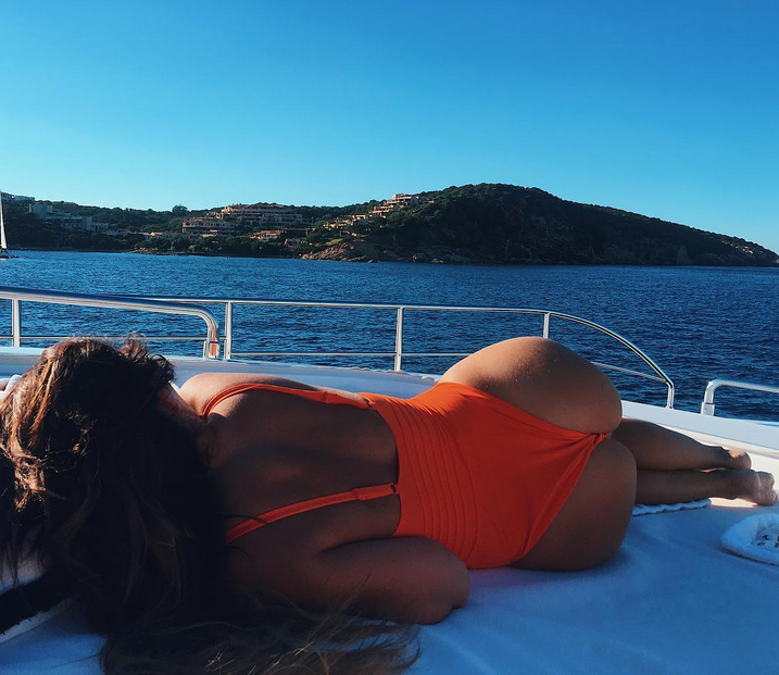 Порноклип Анны Седоковой вызвал скандал в Сети. Фото Скриншот/Instagram: annasedokova