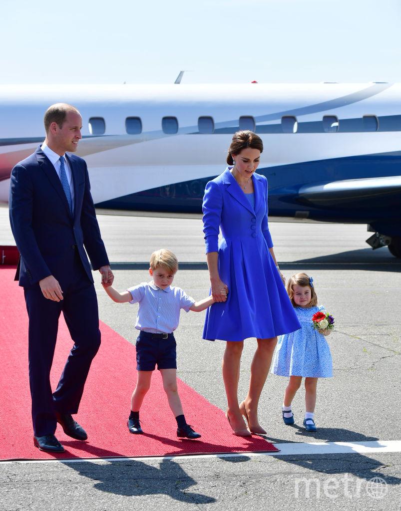 Кейт Миддлтон и принц Уильям с детьми прилетели в Берлин. Фото Getty