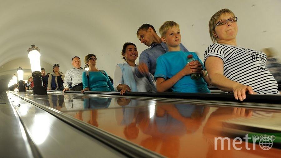 """Трёхлетнюю девочку затянуло в эскалатор на станции столичного метро. Фото Василий Кузьмичёнок, """"Metro"""""""