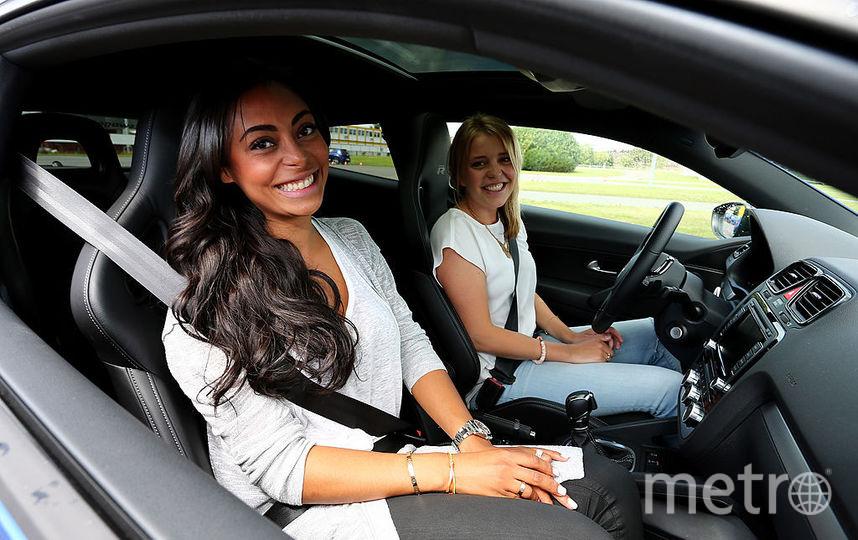 Девушка за рулём. Фото Getty