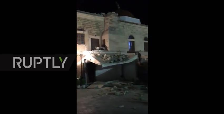 При землетрясении в Эгейском море обрушился минарет на острове Кос. Фото Скриншот Youtube