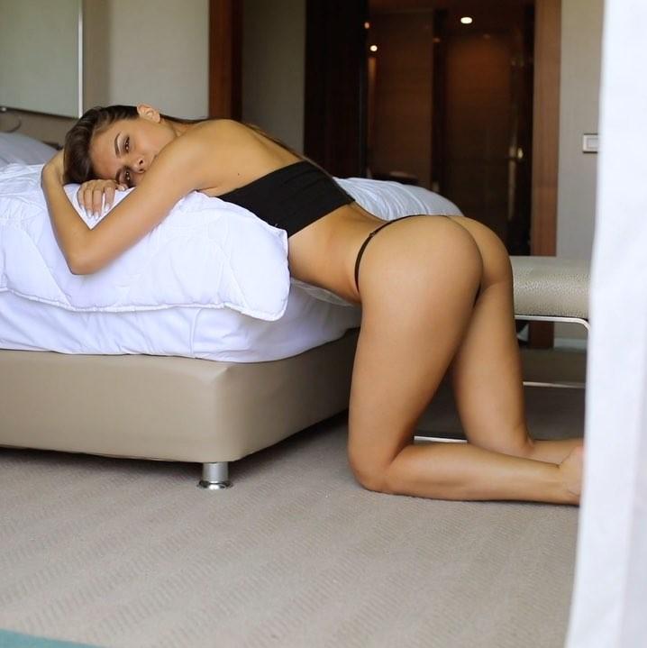 Виктория Одинцова возбудила Instagram горячим фото в купальнике. Фото Скриншот/Instagram: viki_odintcova