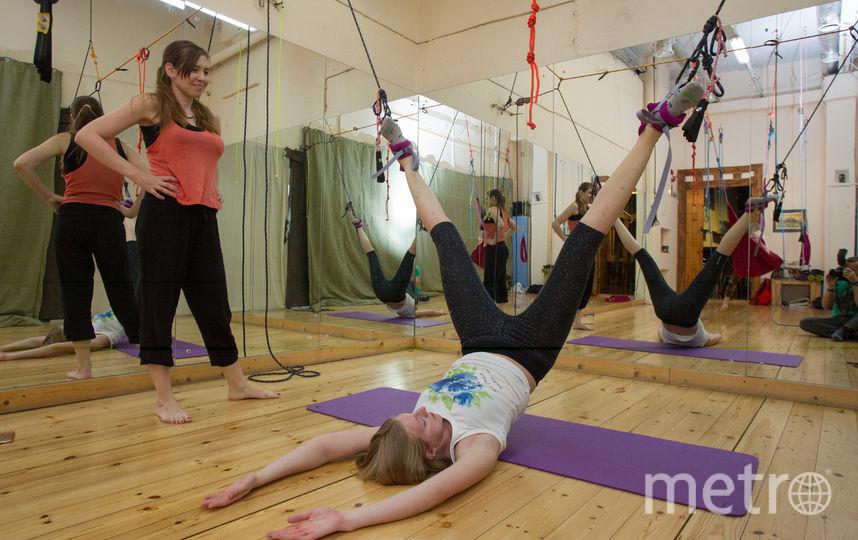 """Занятия по альфа-гравити проходят в йога-центрах. Фото Василий Кузьмичёнок, """"Metro"""""""