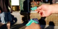 Участники молодёжного форума пожаловались главе Роспотребнадзора на дорогие презервативы