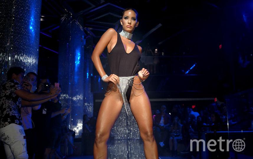 Miami Swim Week: Самые горячие купальники показа. Фото Getty