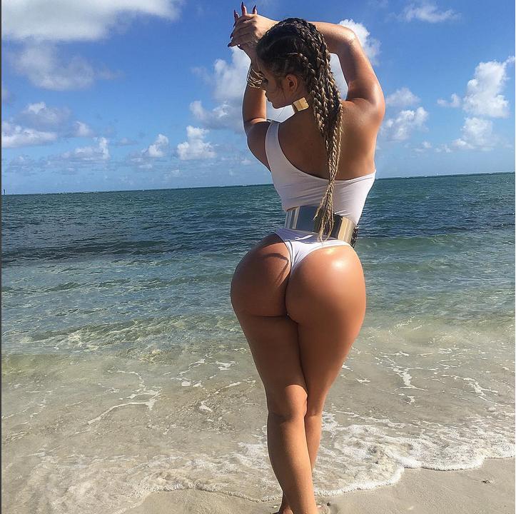 Анастасия Квитко показала свои формы на пляже. Фото Скриншот Instagram/anastasiya_kvitko
