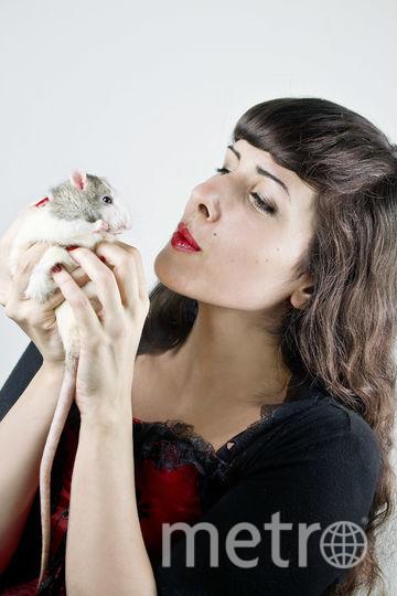 Диана и её крыска. Фото Tiphaine Zanutto