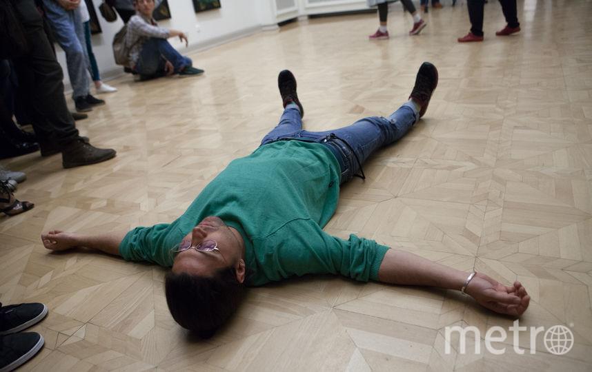 "Флешмоб в русском музее. Фото Святослав Акимов, ""Metro"""