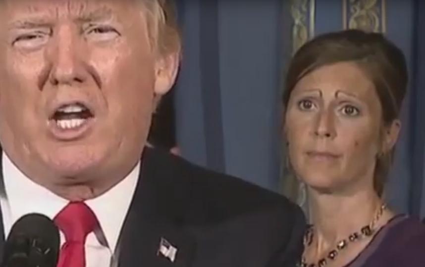 Дональд Трамп и женщина с бровями. Фото Скриншот Youtube