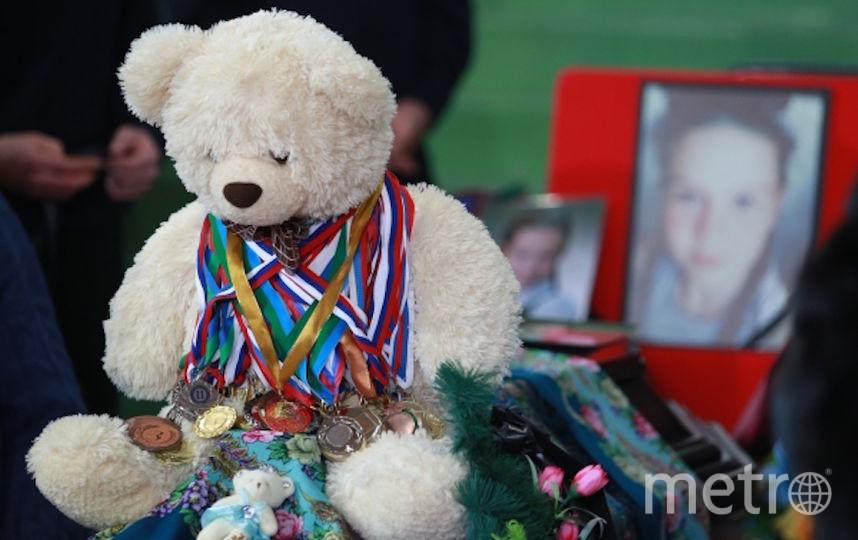 С церемонии прощания с детьми-акробатами. Фото РИА Новости