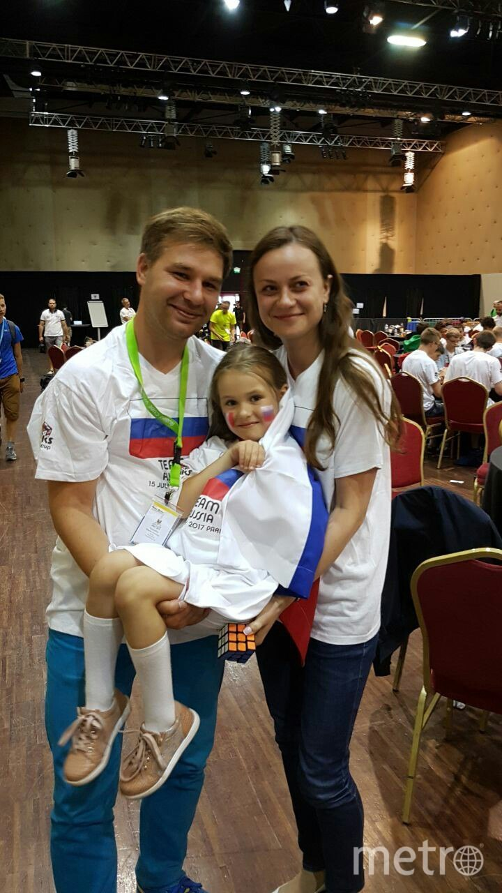 Пятилетняя петербурженка стала самой юной участницей чемпионата мира по спидкубингу.