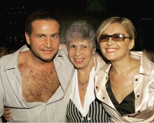 Леонид Агутин с мамой и Анжеликой Варум. Фото Instagram леонида Агутина.