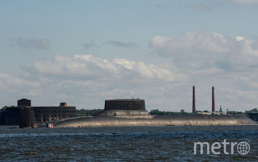 """Подводная лодка в Петербурге. Фото """"Metro"""""""