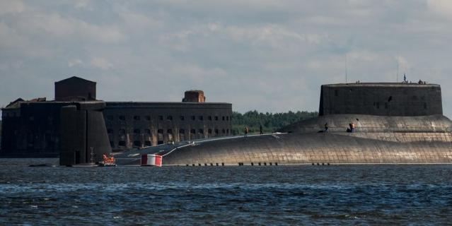 Гигантская подводная лодка откроет День ВМФ в Петербурге