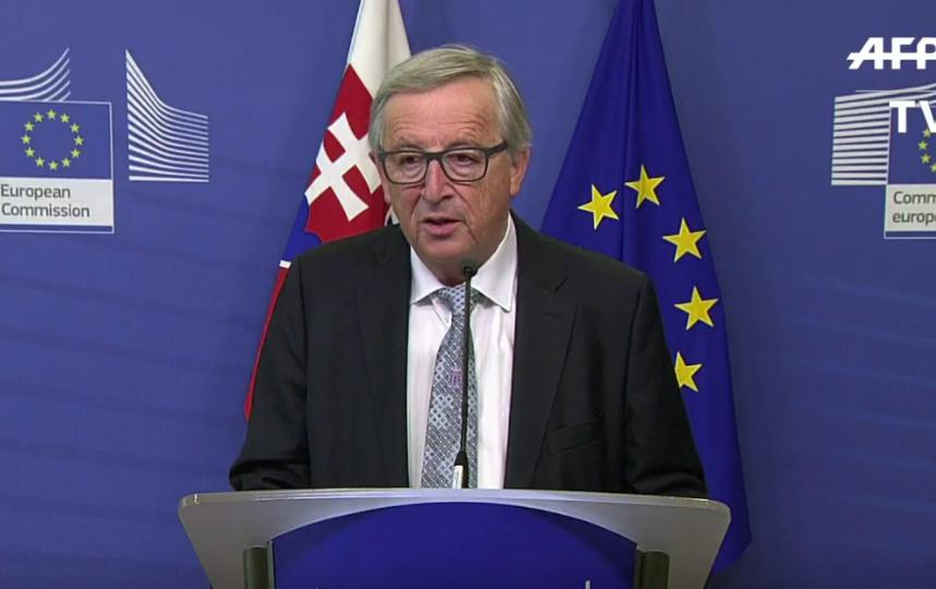 Президент Еврокомиссии сбросил звонок Ангелы Меркель.