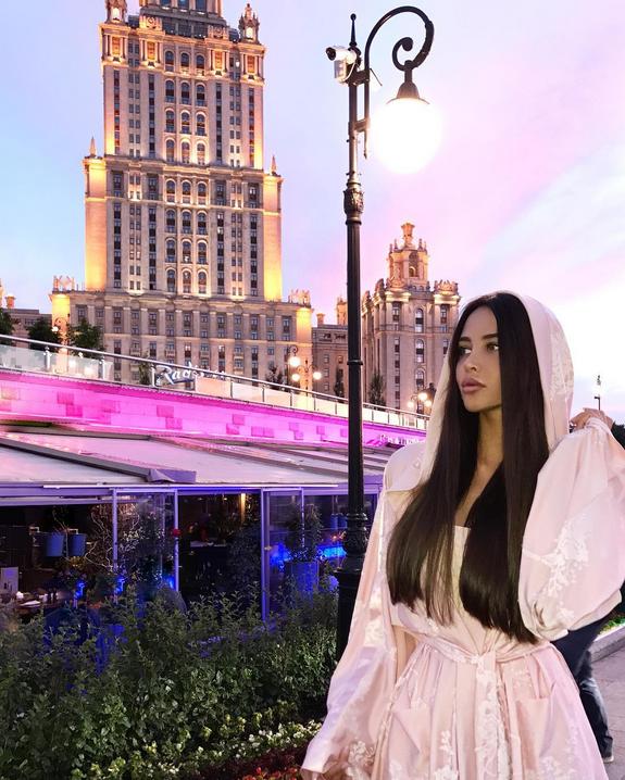 Анастасия Решетова опубликовала пикантное фото и рассказала о стиле. Фото Скриншот Instagram/volkonskaya.reshetova