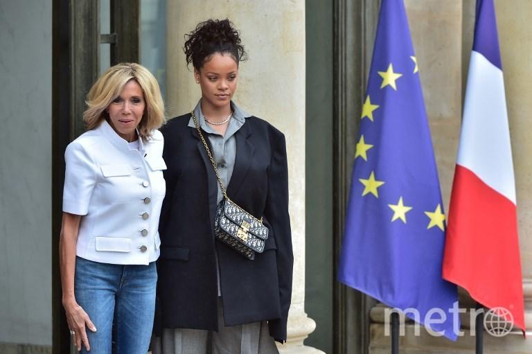 Рианна и Брижит Макрон. Фото AFP